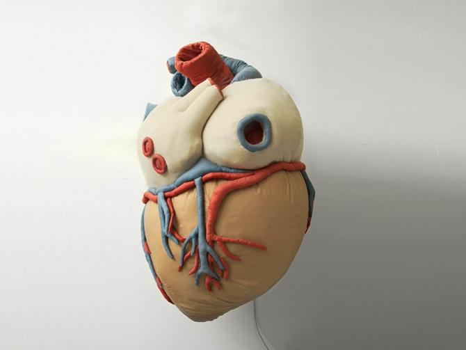Cœur / sculpture gonflable / 2007 / photo A.Goula / (vidéo)